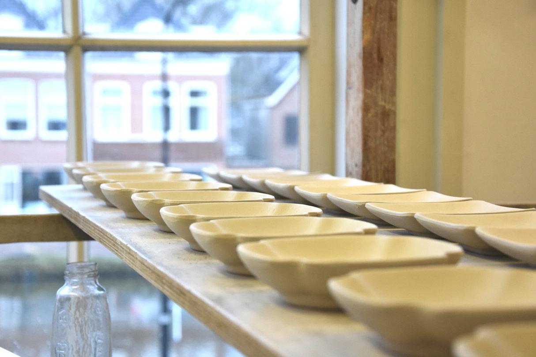 delftse pottery delftse pauw, high tea vriendinnen