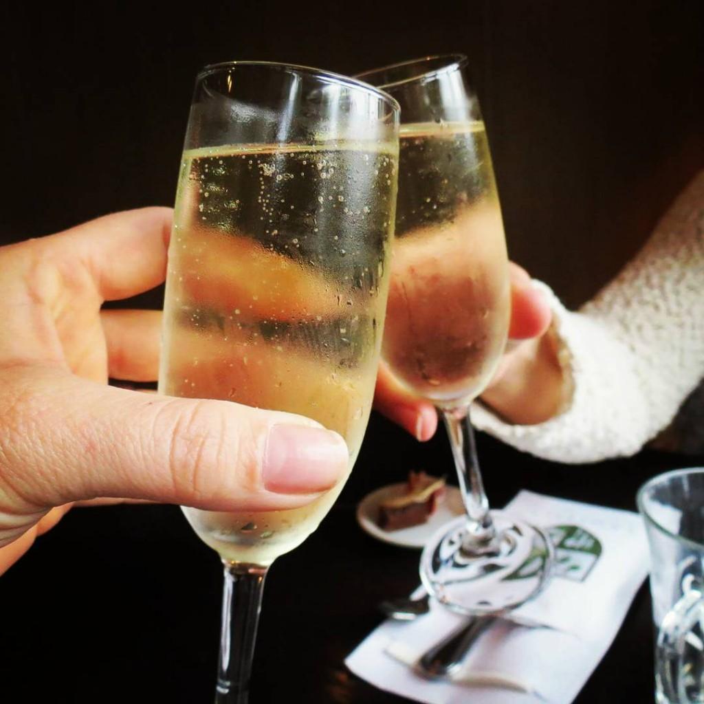 Cheers! Start je gezellige high teamiddag goed met een lekkerhellip