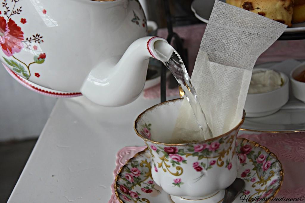 lunchroom daan, high tea vriendinnen
